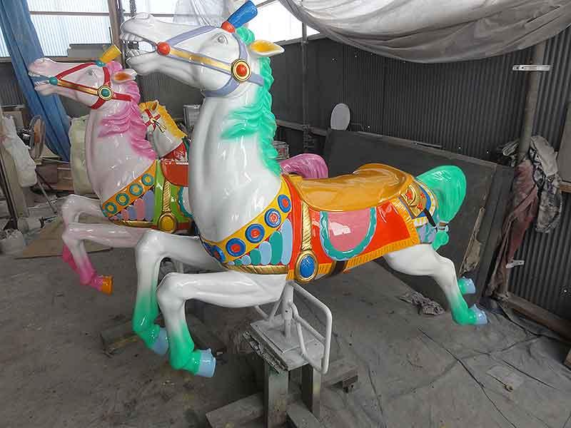 メリーゴーランドの馬の修理5