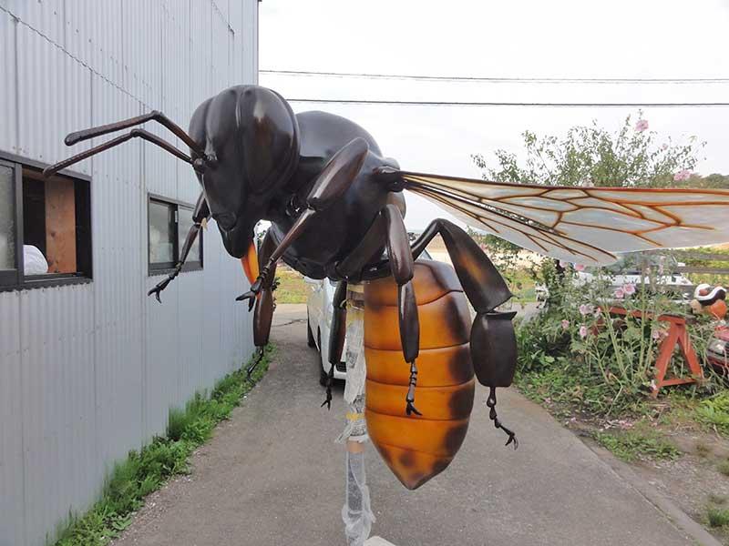 二ホンミツバチの巨大模型2