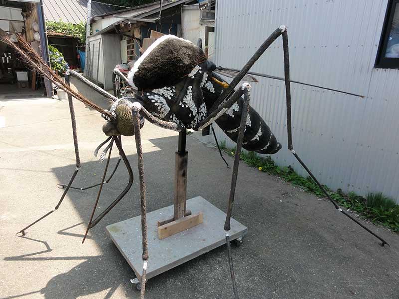 ヒトスジシマカの巨大模型3