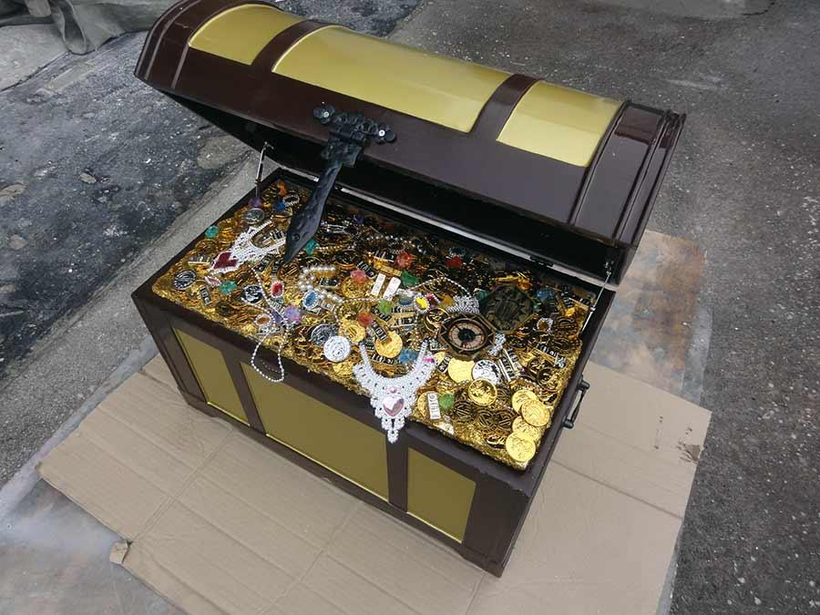 宝箱のオブジェ